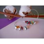 Créole aux perles multicolores